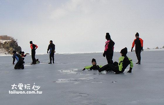 光是能在结冰的海水中游泳泡澡就觉得大老远跑来道东真是值得了