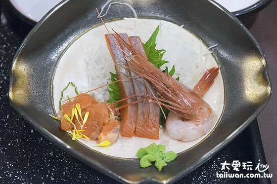 晚餐生鱼片料理