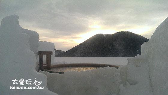 看日出泡冰上温泉