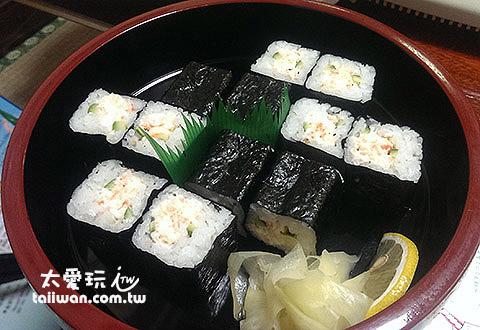 螃蟹本家看起来普通的寿司也很好吃