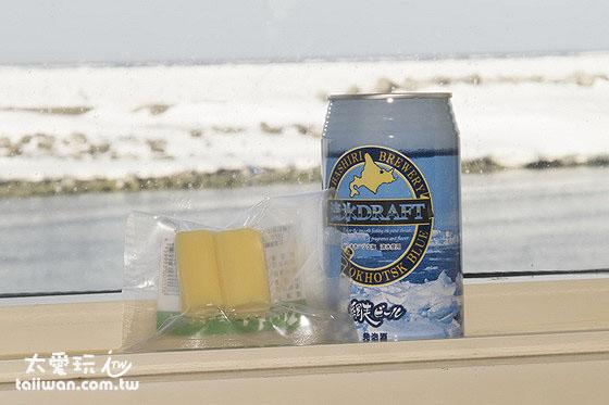 看流冰的時後順便來罐流冰啤酒效果更讚