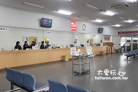 日产租车公司新千岁机场店柜台