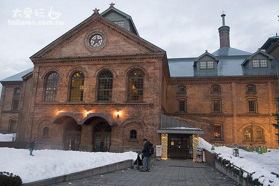 札幌啤酒博物館本身的古典紅磚建築是在1890年明治時代所建