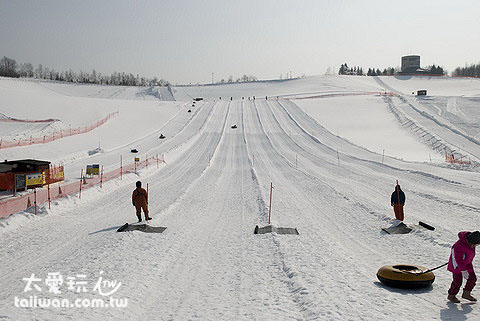 200公尺長的滑道