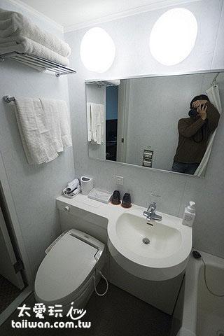 浴厕空间很小