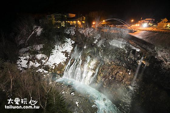 白鬚瀑布夜景燈光秀