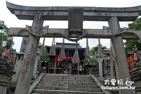 山上的神社