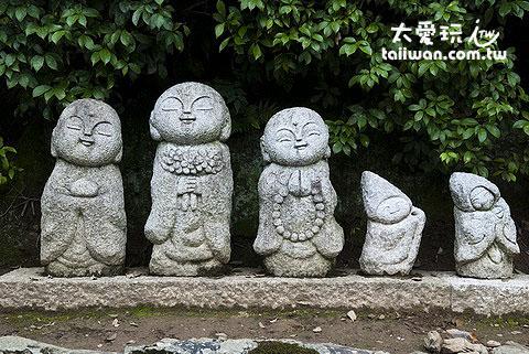 嵐山大街路邊可愛的雕像