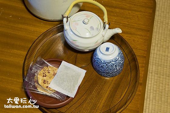 房間內的茶點