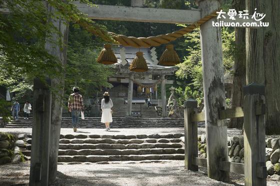 合掌村內的荻町八幡神社