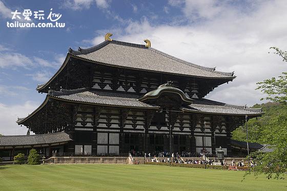 東大寺是奈良出名的古蹟