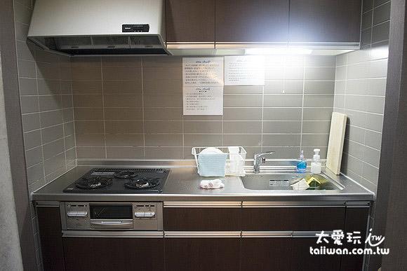 公寓式酒店附有小厨房,方便自己煮点东西吃