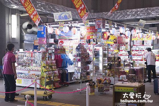 那霸機場廉價航空專用航廈只有一間購物店
