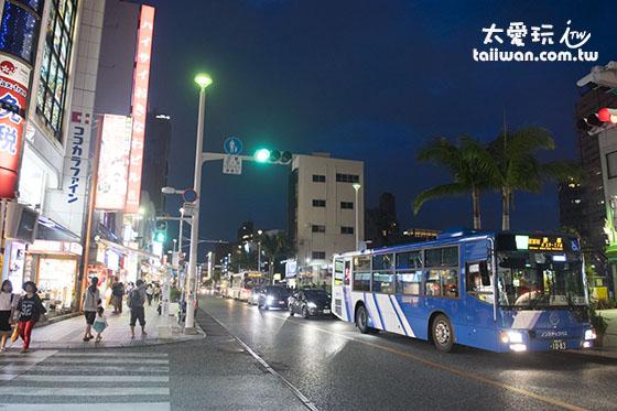 國際通是沖繩最熱鬧繁華的一條商業購物大街
