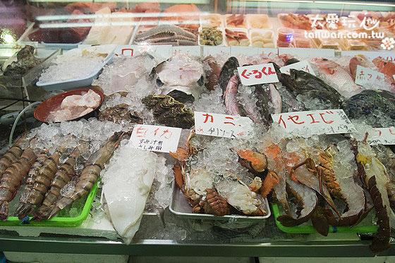 一樓海鮮攤販任你挑