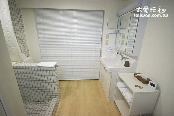 双床房卫浴空间