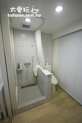 淋浴与厕所