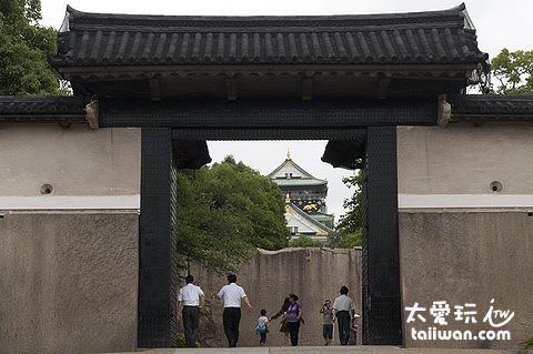 大阪城櫻門