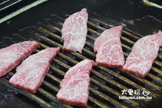 和牛肉現點現烤現吃