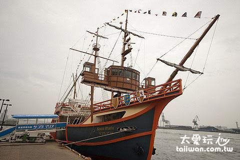 帆船型观光船圣马利亚号