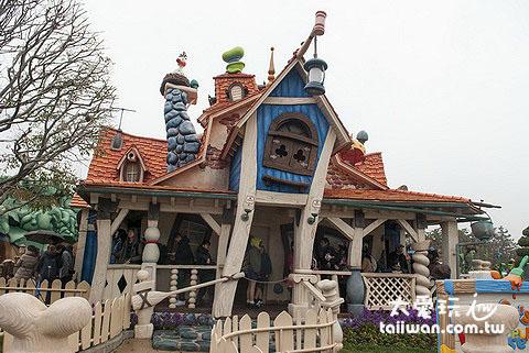 東京迪士尼樂園卡通屋