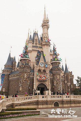 東京迪士尼樂園城堡