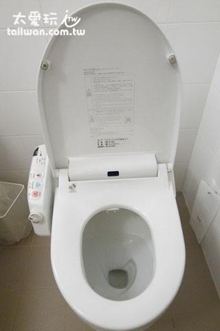 银座美居酒店房间浴室免治马桶