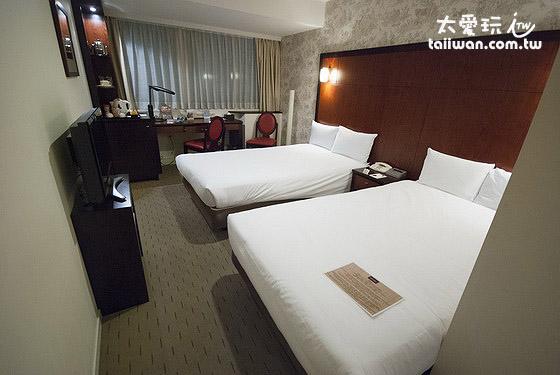 银座美居饭店双床房的单人床大概有120公分宽