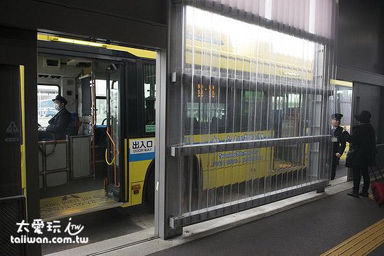 机场免费接驳巴士