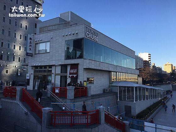 淺草寺吾妻橋旁的水上巴士站