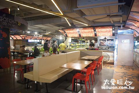 KLIA 2 航站內的美食街小販