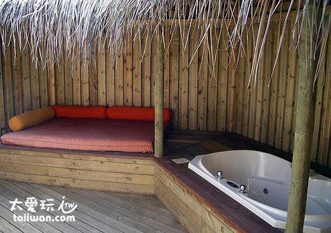 Jacuzzi Beach Villa浴缸