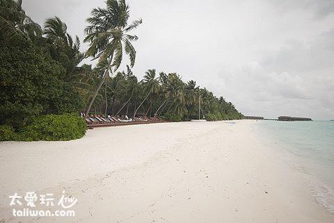 曼德芙島Medhufushi Island Resort