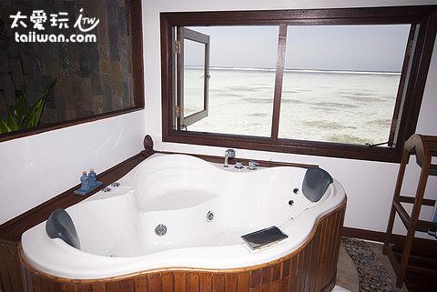 海上蜜月套房Honeymoon Lagoon Suites浴缸