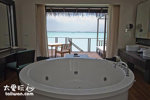高級水上屋 Deluxe Aqua Villa超級大浴缸