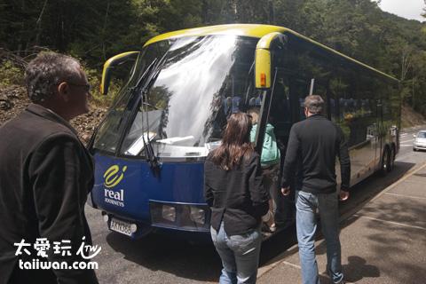 紐西蘭觀光巴士