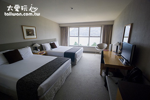 Mercure Queenstown Resort豪華湖景房