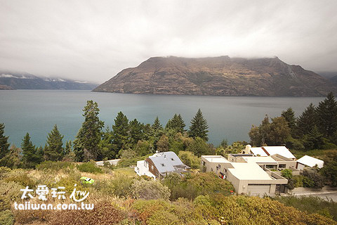 Mercure Queenstown Resort豪華湖景房的View