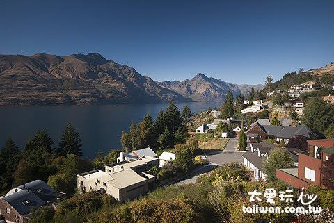 水星度假村擁有非常棒的湖景