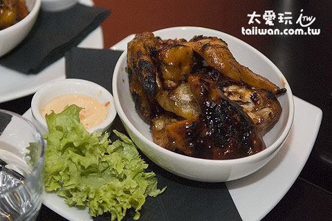 Flame Bar & Grill的兒童雞翅餐