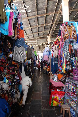 中央市場衣服攤位