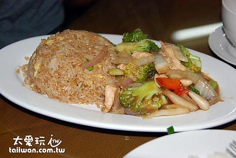 中餐館10 soles套餐的主菜