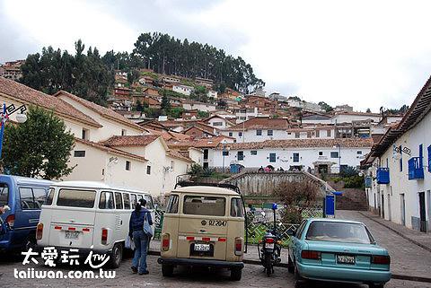 Koyllur Hostel附近街景