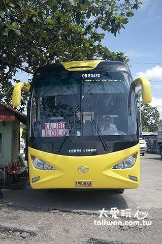 卡蒂克蘭碼頭往來卡利波機場的大巴士