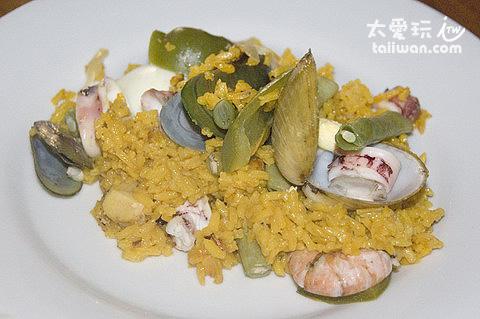 Dos Mestizos西班牙餐廳海鮮飯料也很多,但是味道普通
