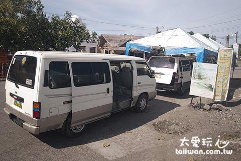 CBTMPC公司經營14人座小巴
