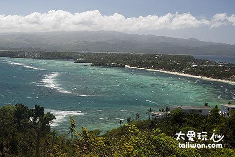 Mt. Luho眺望整座長灘島