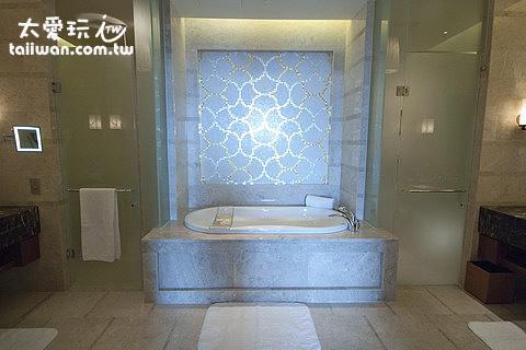 超級大的浴室