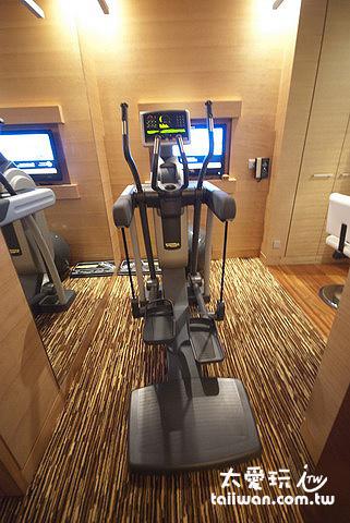 房間內的健身房