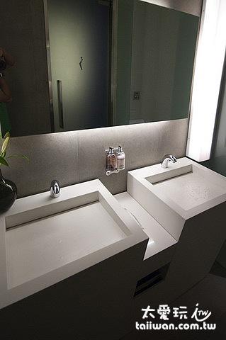 克拉普松精品旅館廁所